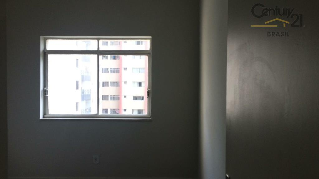 apartamento próximo ao metrô paraíso, 2 dormitórios com armários, cozinha planejada, dependência com armário e wc...