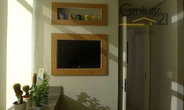 amplo apartamento todo reformado em ótima localização hall de entrada living 3 ambientes espaçosos 4 dormitórios...