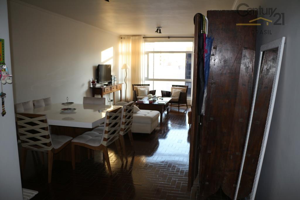 140 mts , 3 dorms com armários, cozinha planejada, copa, dependência de empregada reformada virou lavanderia...