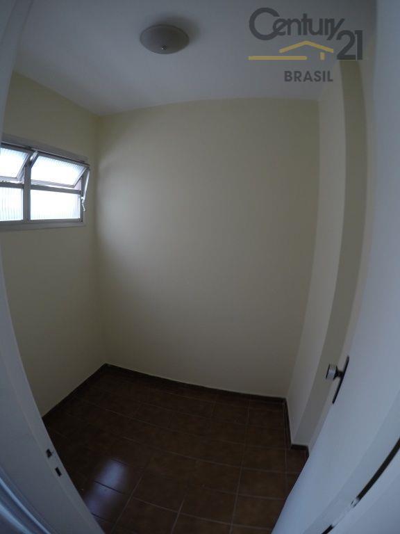 vendo excelente apto em moema pássaros com 3 dormitórios sendo 1 suite living amplo para 2...