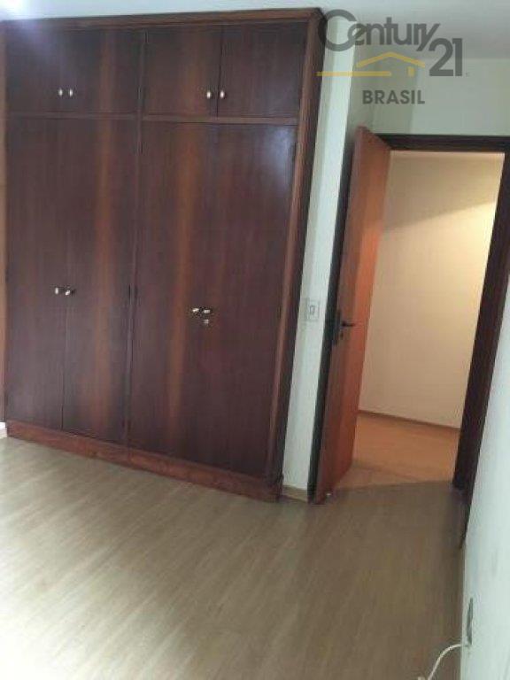 apartamento a venda em moema, empreendimento clássico, planta original de 4 dormitórios (fácil reversão), 3 suítes...