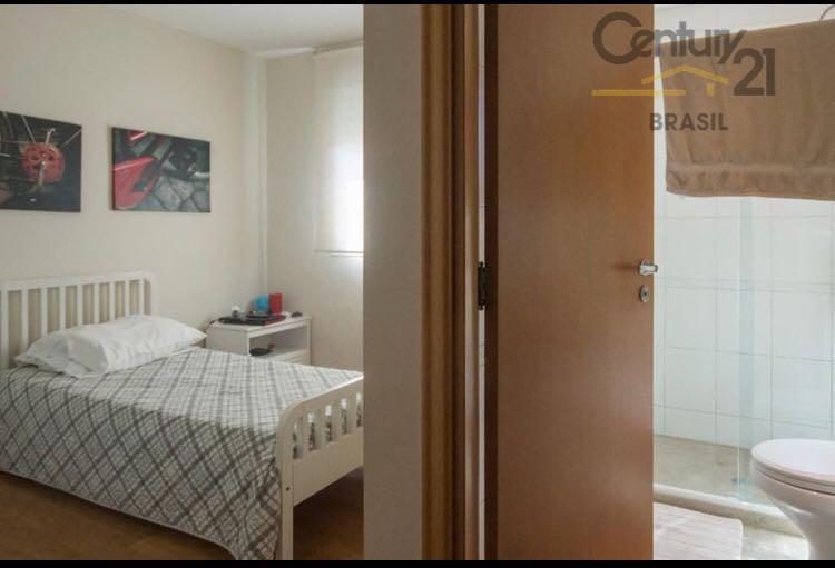 cobertura no campo belo, reformada, com 4 dormitórios, 4 suítes, sendo uma delas suíte master com...