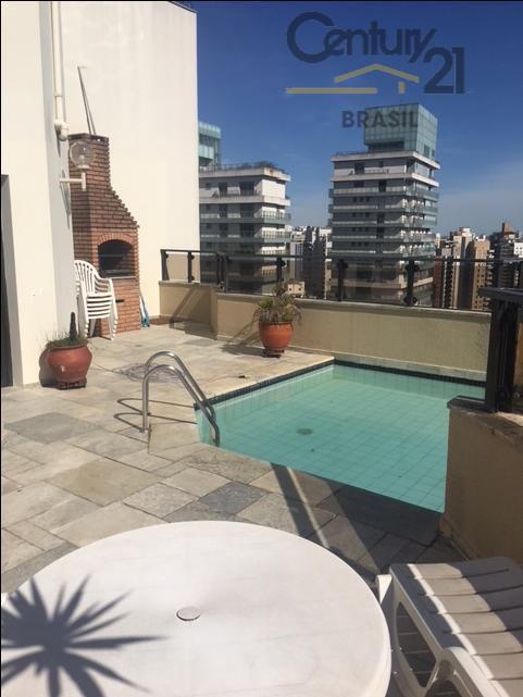 cobertura alto padrão, com uma bela vista, 196 metros quadrados, composto por piscina, churrasqueira e terraço,...