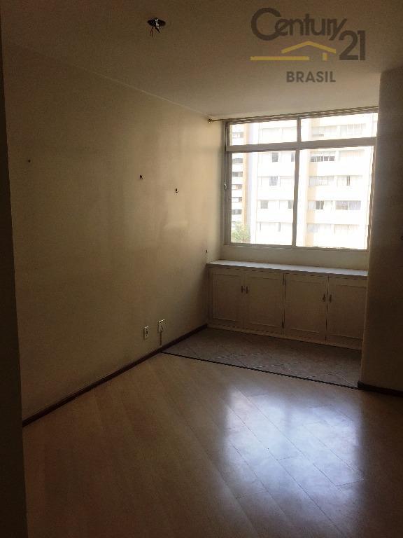 apartamento de 70m excelente localização com 2 dormitórios com armários, banheiro social, sala para 2 ambientes...