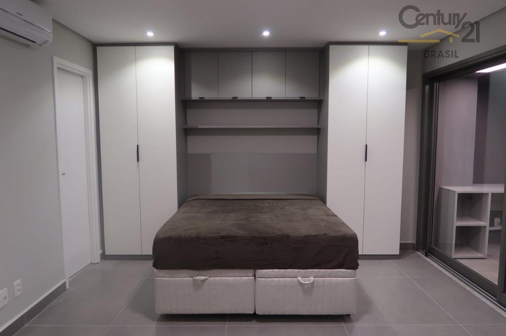 apartamento mobiliado e finamente decorado com cozinha americana com cooktop, geladeira, microondas, armários, ar condicionado. perto...