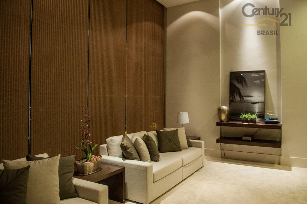 apartamento com 2 dormitórios (1 suíte), 2 vagas de garagem.com ar condicionado na suíte, piso em...