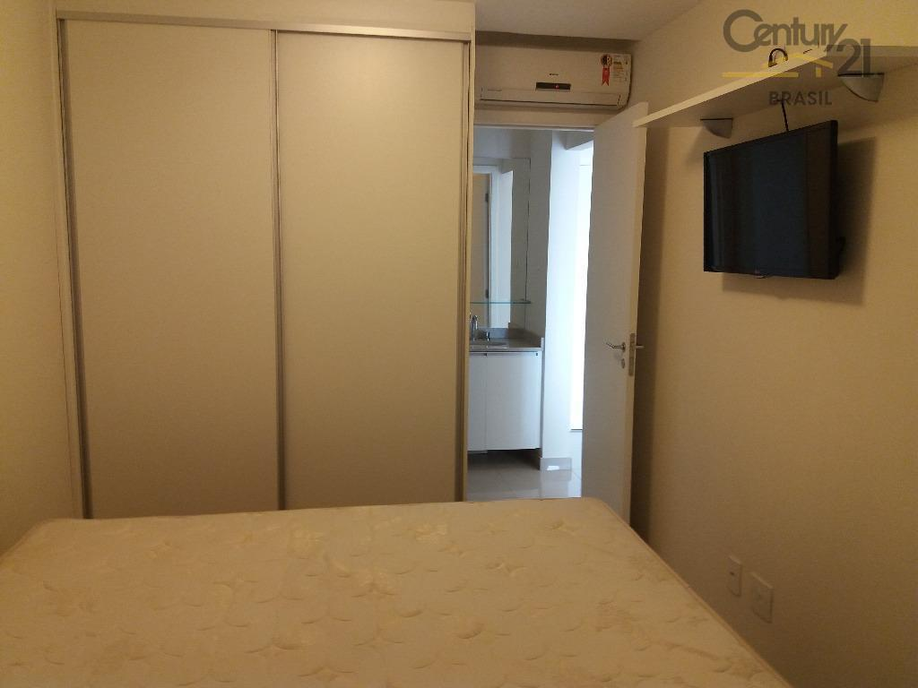 mobiliado, só entrar e morar. possui 1 dormitório com armários e ar condicionado, sala com piso...