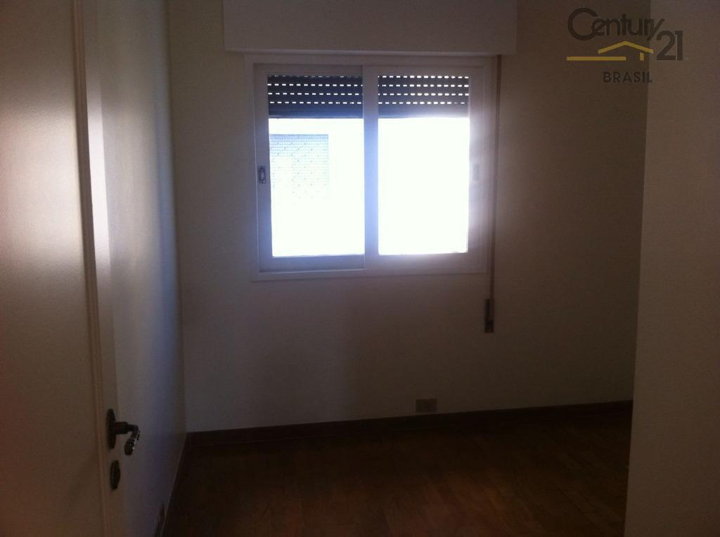 aluga ou vende apto no itaim bibi, 103 m2 util, plata com 3 dtrs, sendo 1...