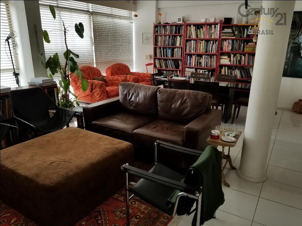 imovel em otima localização, com 3 dormitórios, sendo um reversível para sala, cozinha , área de...