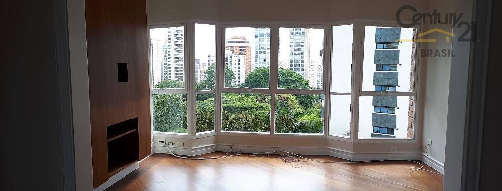 belíssimo apartamento para locação, meia quadra da praça pereira coutinho, 3 suítes, mais escritório, 4 vagas,...