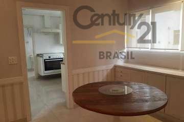 vila nova conceição junto a praça pereira coutinho.apartamento com 200m uteis,3 suítes,amplo living com varanda ,lavabo,...