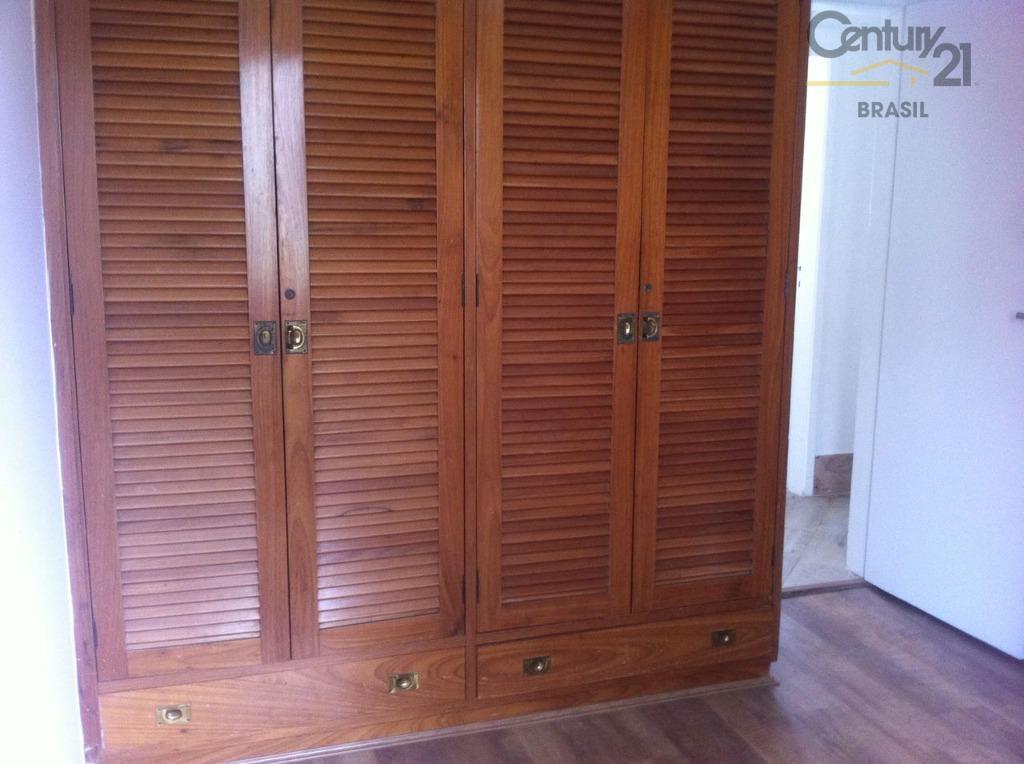aluga apartamento no itaim bibi, 144 m2 útil, 3 dtrs sendo 1 suite, 2 vagas, varanda,...