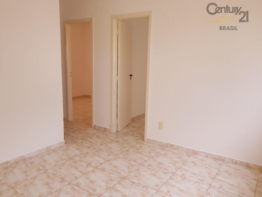 casa muito aconchegante em um condomínio cercado pela natureza. a casa possui sala, cozinha, 2 dormitórios,...