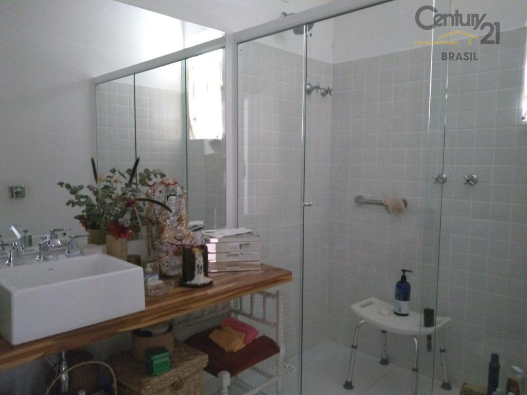 apto em pinheiros - andar alto - 2 dormitórios (uma suíte), 2 banheiros completos, 1 banheiro...