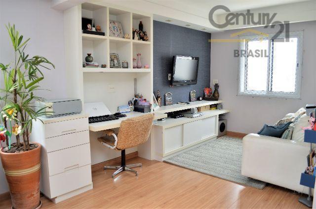 totalmente reformado, repleto de móveis planejados, com planta excelente, área de 82m², vaga fixa, 2 dormitórios,...