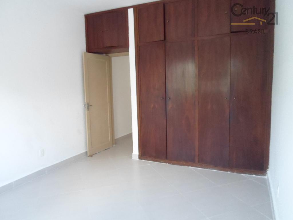 sobrado totalmente reformado perto de tudo, ótimo custo x benefício, tês dormitórios com armários, amplo living,...