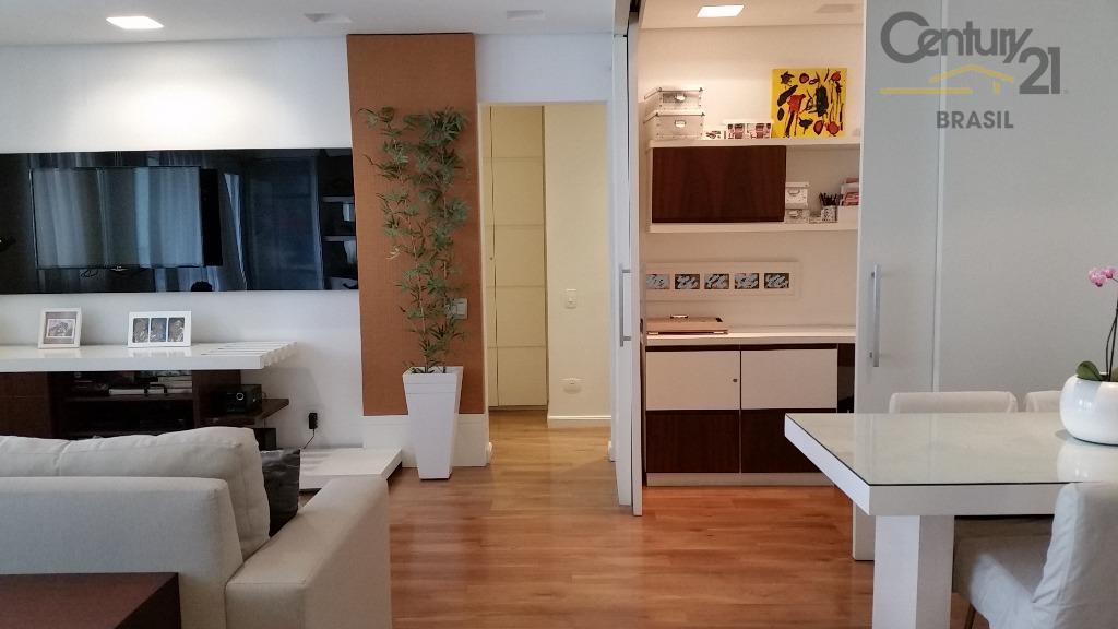 Lindo apartamento em Pinheiros, com varanda gourmet e lazer completo.