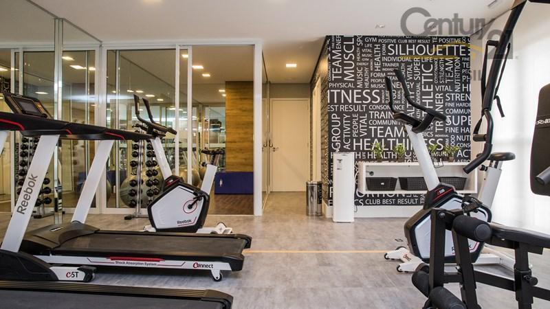 com áreas comuns equipadas e decoradas, fitness projetado pelo especialista marcio atalla que presta consultoria para...