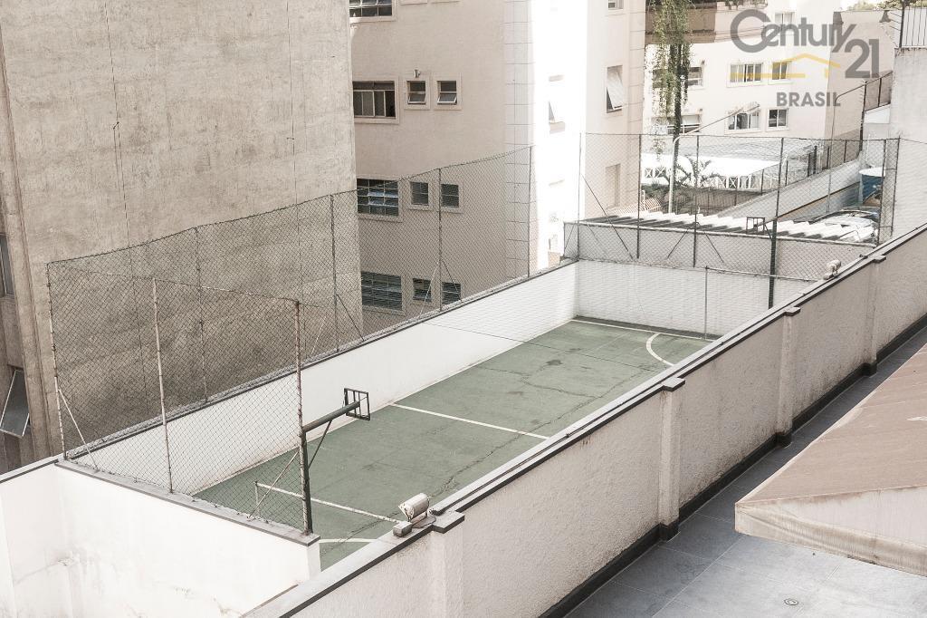 apartamento nos jardins, na melhor região do bairro, com facil acesso, a restaurantes, cinemas, teatros, farto...