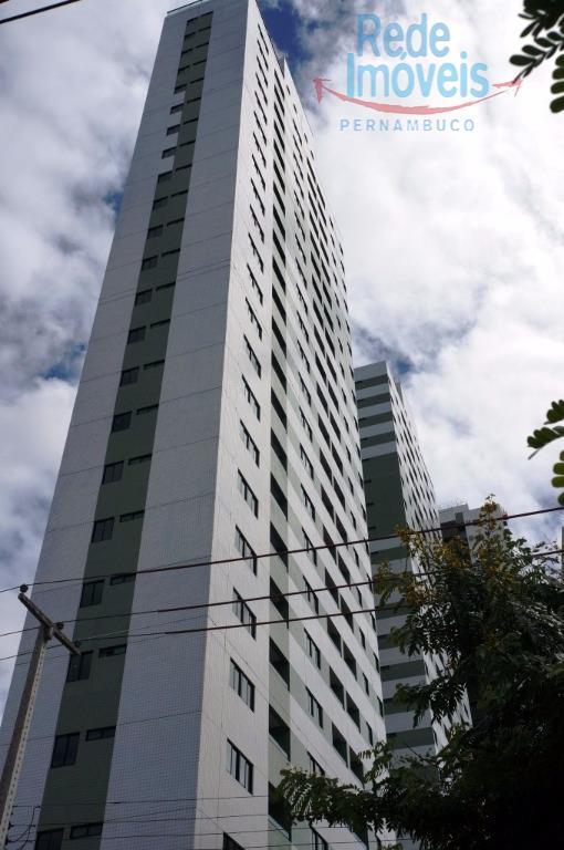 Apartamento residencial à venda, Torre, Recife - AP0050.