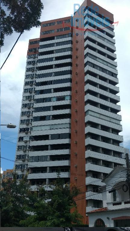 Apartamento residencial à venda, Graças, Recife - AP0163.