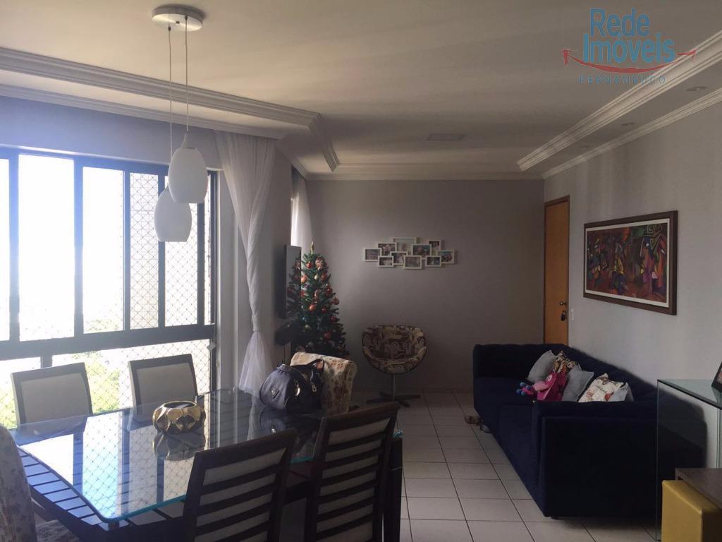 Apartamento residencial à venda, Torre, Recife - AP0173.