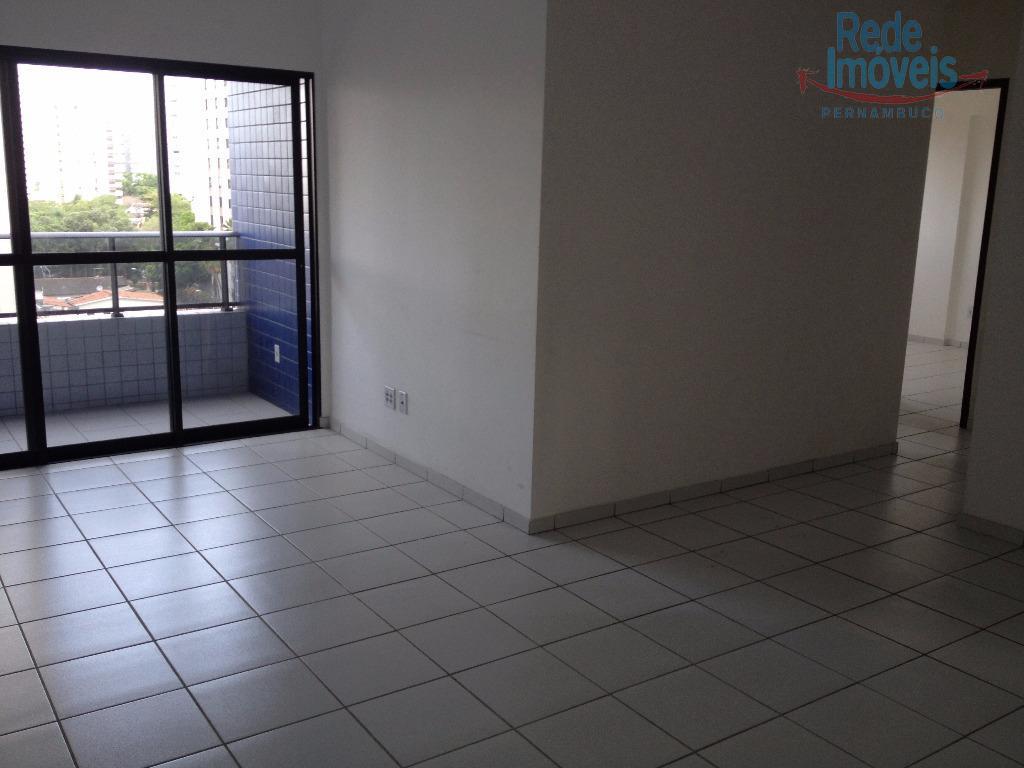 Apartamento residencial à venda, Torre, Recife - AP0056.