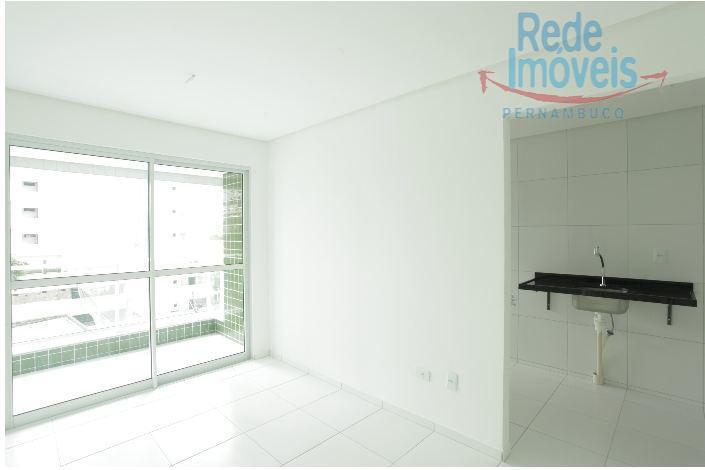 Apartamento residencial à venda, Casa Amarela, Recife - AP0333.
