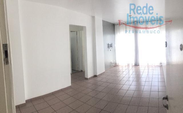 Apartamento residencial à venda, Espinheiro, Recife - AP0087.