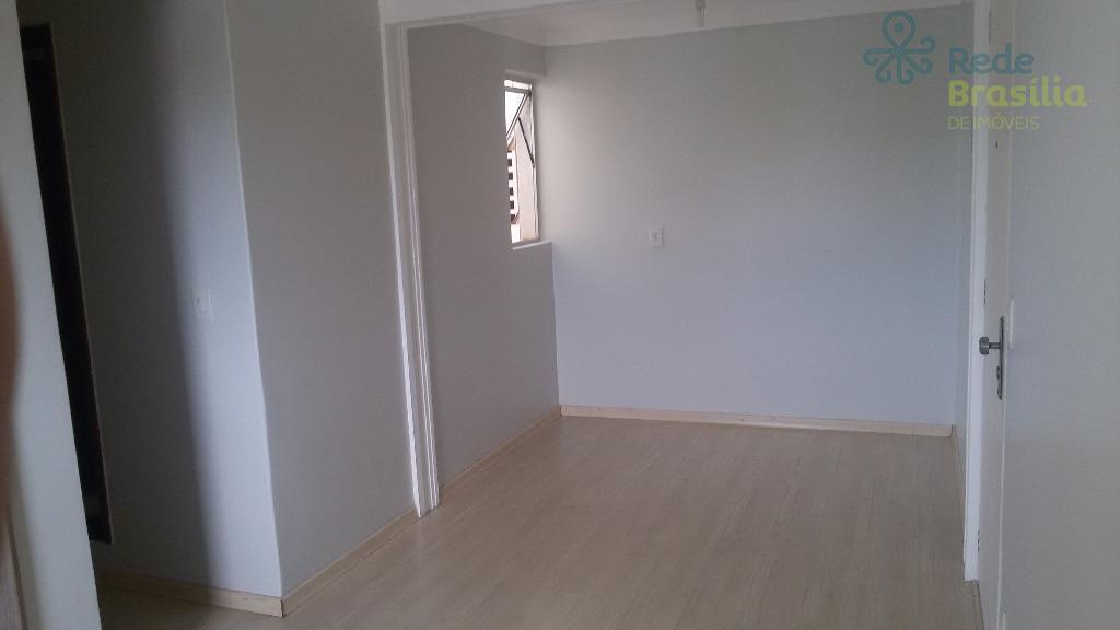 Apartamento Reformado de 02 quartos com suite , Guará II, Guará.