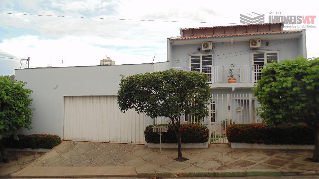 Sobrado residencial à venda, Goiabeiras, Cuiabá.