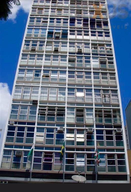 Kitnet residencial para locação, Centro, Curitiba.
