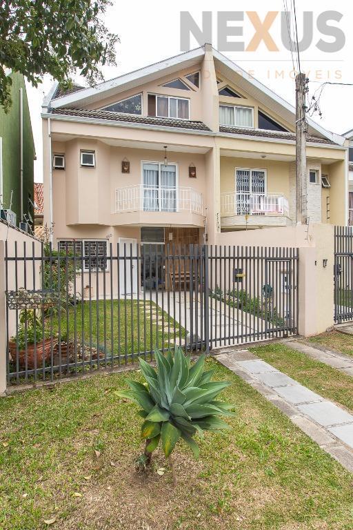 Lindo sobrado Triplex no Uberaba, 4 dormitórios, somente troca por chácara de igual ou menor valor.