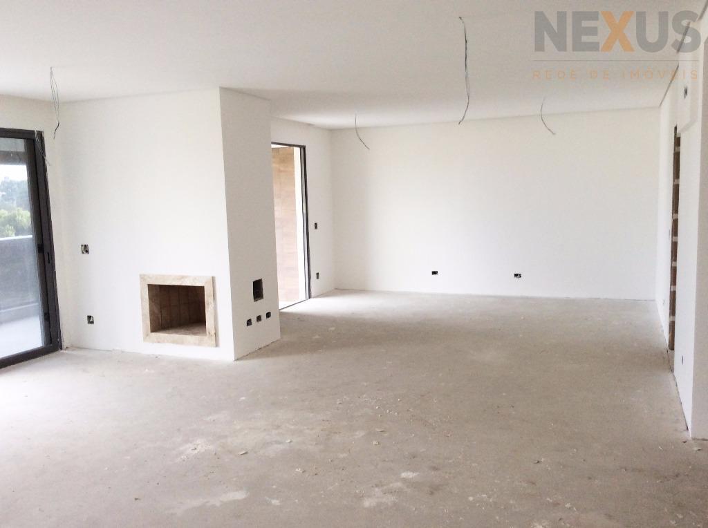 Apartamento com 235m² Privativos, 3 Suítes e 4 Vagas no Ecoville.