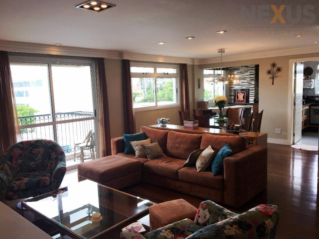 Apartamento com 164m² Privativos, 3 Dormitórios e 2 Vagas no Batel.