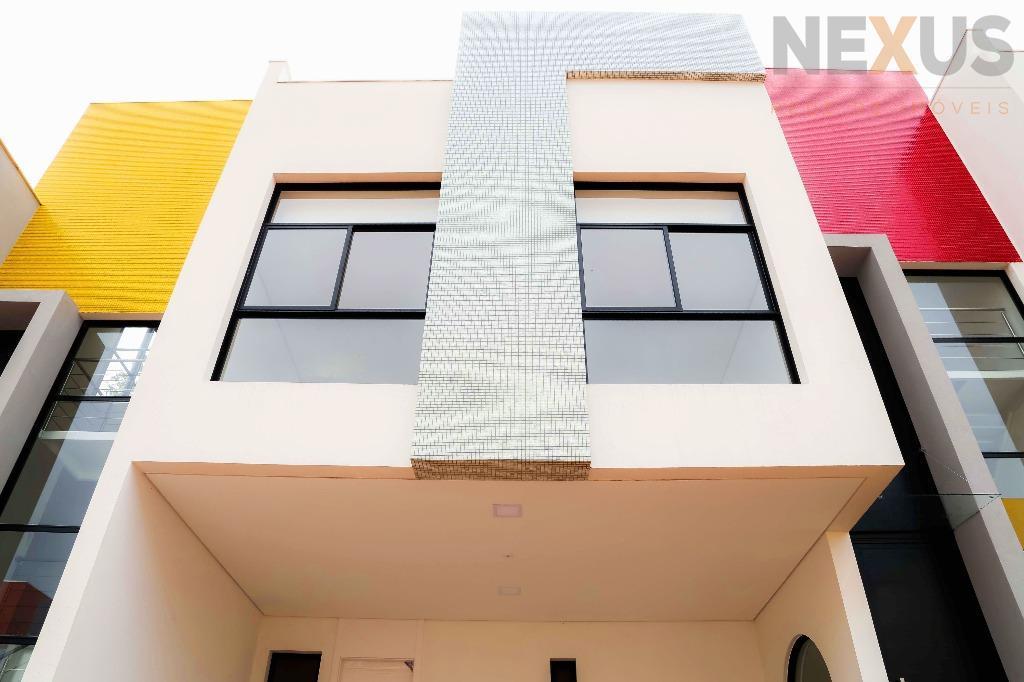 Sobrado triplex residencial, 3 quartos, 1 suíte, à venda, São Braz, Curitiba.