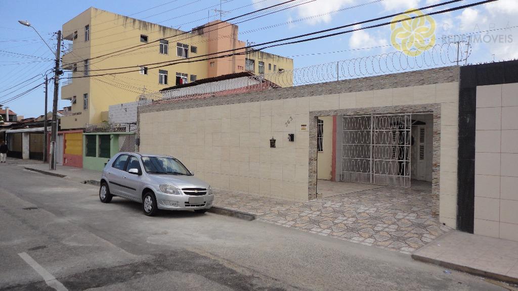 Casa plana à venda na Parquelândia, 250 m², Excelente localização, Fortaleza.