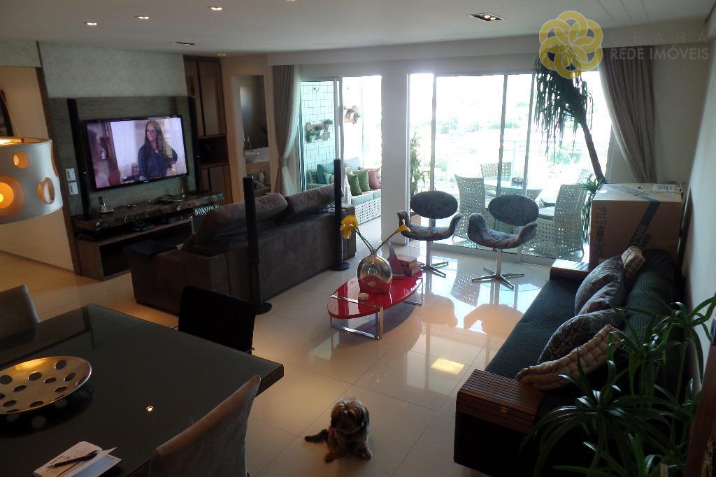 Apartamento à venda no Bairro de Fátima, 114 m², Andar Alto, 2 Vagas Paralelas, Mobiliado e Decorado, 750 MIL, Fortaleza.