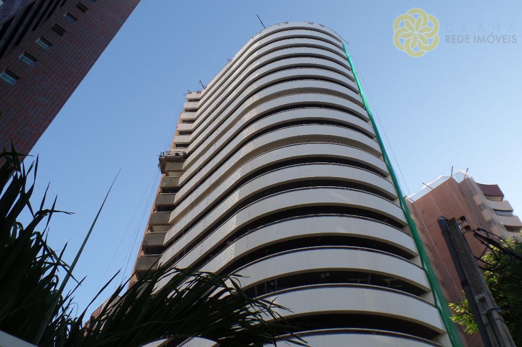 Apartamento à venda no Meireles, Ed. Aquamarine, 3 Suítes, 4 vagas, Fortaleza.