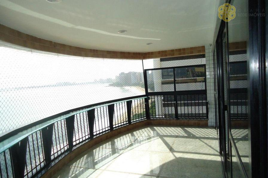 Apartamento Residencial na Beira-Mar
