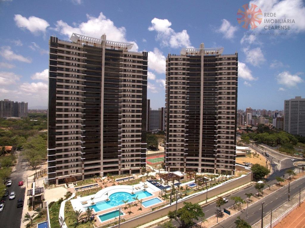 Apartamento à venda, alto padrão, Guararapes, 209m2, 4 suítes, 04 vagas. Financia.