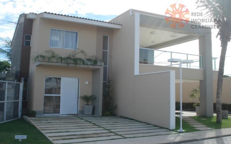 Casa duplex em condomínio fechado em Messejana, 2 suítes, gabinete. pronta. Financia.