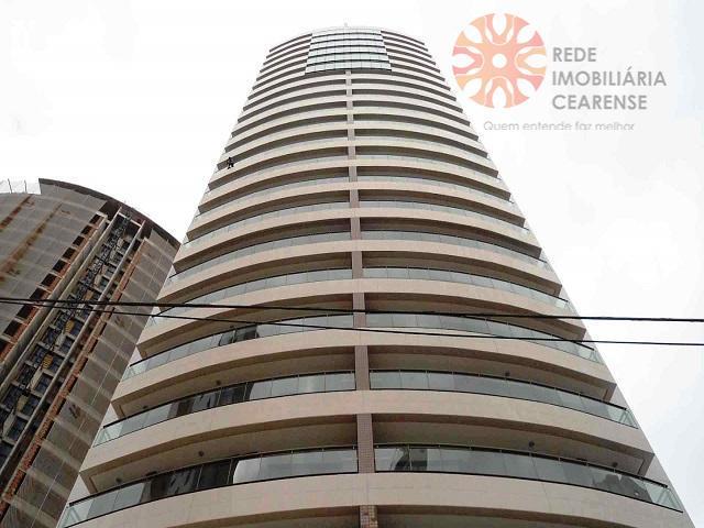 Cobertura duplex à venda no Meireles. 257m2, Nascente, vista mar, 4 suítes, gabinete, 7 vagas.