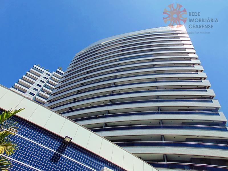 Apartamento à venda no Meireles, a 190m da Beira Mar. 69m2, 2 quartos, suíte, vista mar. Financia.