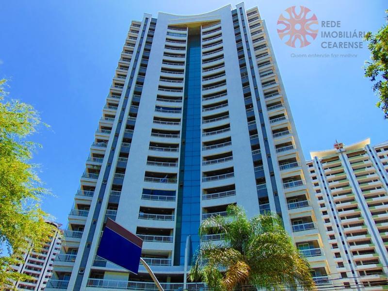 Apartamento à venda no Meireles, 151m2, 3 suítes, gabinete, lazer completo. Aceita financiamento.