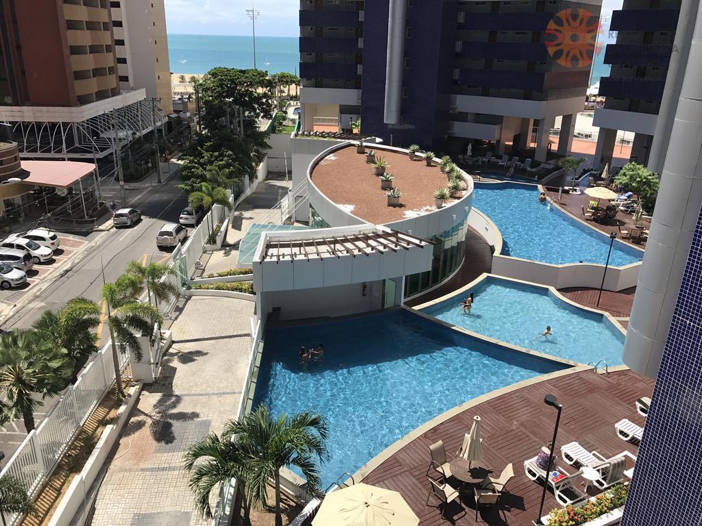 Apartamento à venda e/ou locação no Beach Class,  Meireles. A 100m do aterro, 56m2, 2 quartos, 1 suíte. móveis projetados.