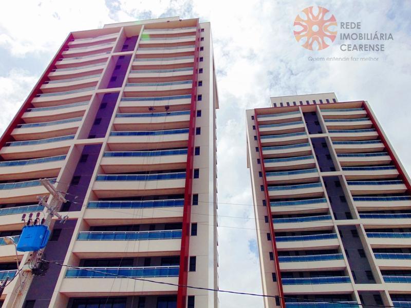 Apartamento à venda no Guararapes, próximo Washington Soares, 72m2, 2 vagas. Financia