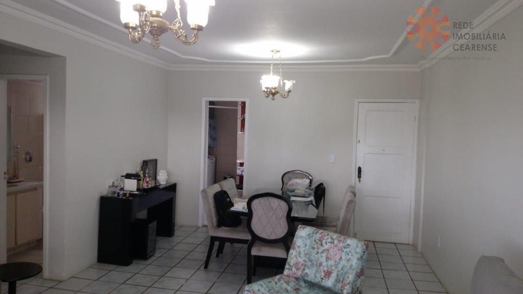 Apartamento à venda no bairro de Fátima, prox. Igreja de Fátima, 108m2, 3 quartos, suíte,dce,2 vagas. Andar alto.
