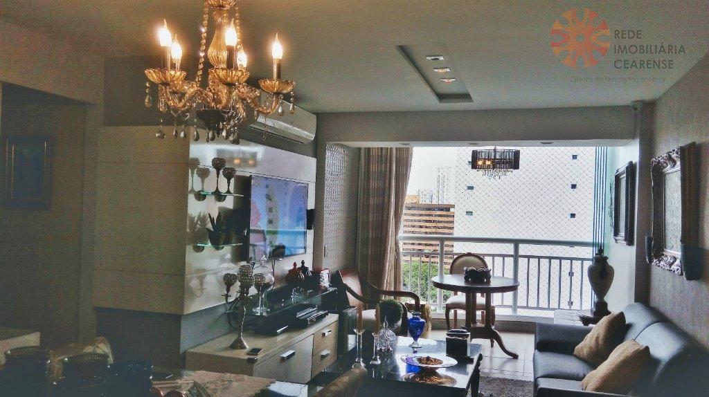 Apartamento no Meireles, a 800 da Beira mar, 73,90m2, 3 quartos, 2 suítes, 2 vagas, móveis projetados. 2 vagas.