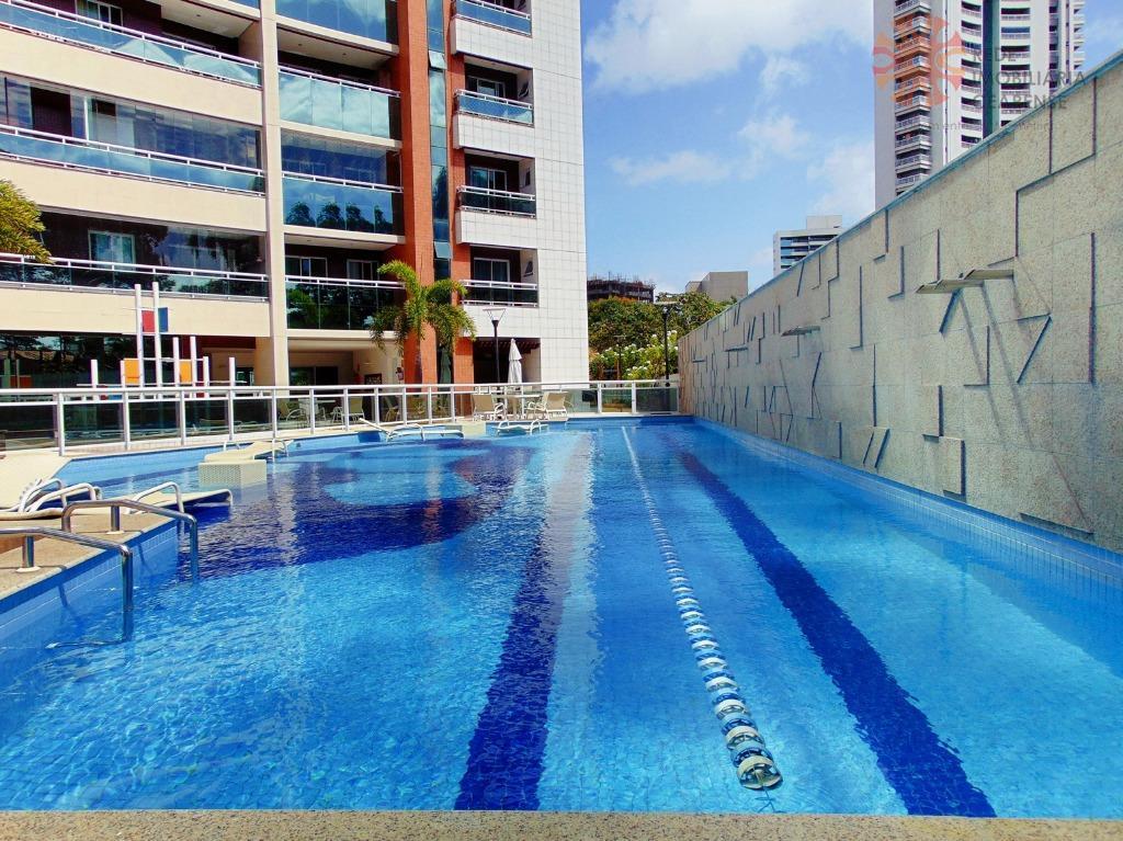 Apartamento à venda no Meireles. Com área de 120m2, 3suítes, 2 vagas. Financia.